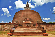 Polonnaruwa, ancient stupa